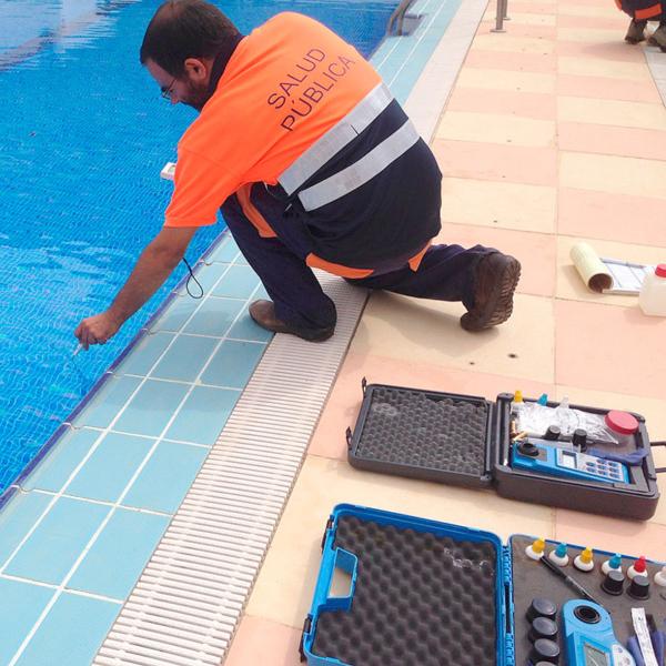 Analisis-de-aguas-piscinas-Campos-Serrano-biologos-Murcia-y-Almeria